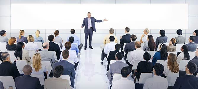 Learn to speak in public with speaker coach